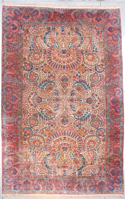 """7540 Kerman This Kerman measures 9'6"""" X 15'0"""" (292 x 457 cm). This is a very nice example of the art of weaving. This rug transcends floor covering and soars into the ethereal  ..."""