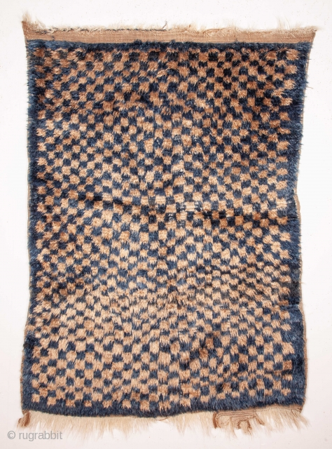 Mid 20th C. Central anatolian Angora Tulu Rug 112 x 160 cm /3'8'' x 5'2''