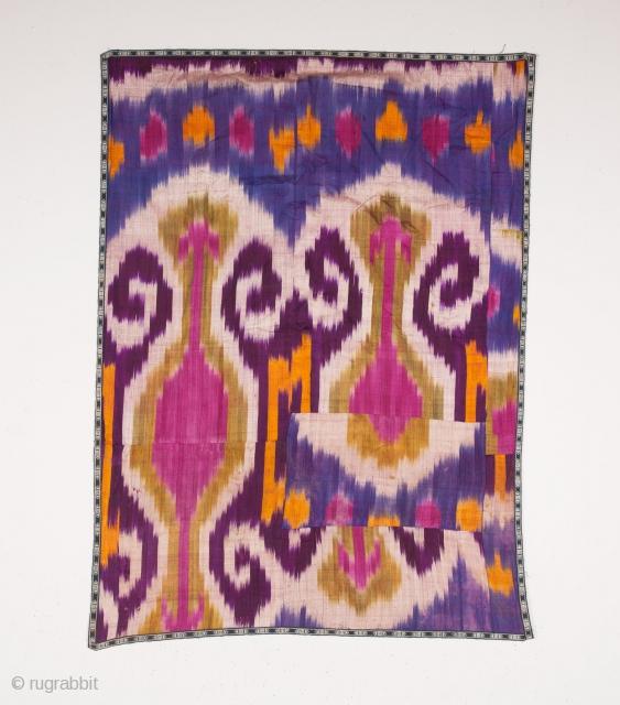 Uzbek Ikat Fragment 95 x 127 cm