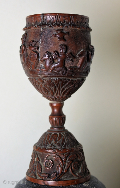 Goblet hand-carved unknown Artist size h 12 cm diameter 4 cm