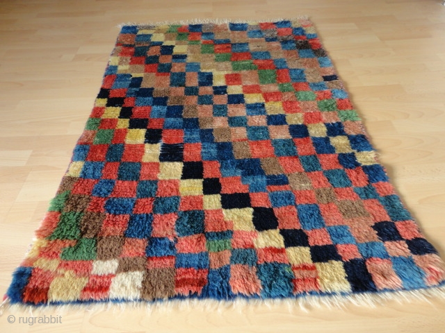 Superb  and  rare  antique  Persien  Bachtiari longpile  Gabbeh  87 X 129  cm.  Pile  from  great  shiny  wool , n  atural  ...