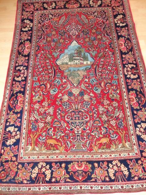 Very  fine  antique  Persien  Keschan  Meditation  rug  135 X 201  cm.    Superb  coulors , round  1920  , very  ...