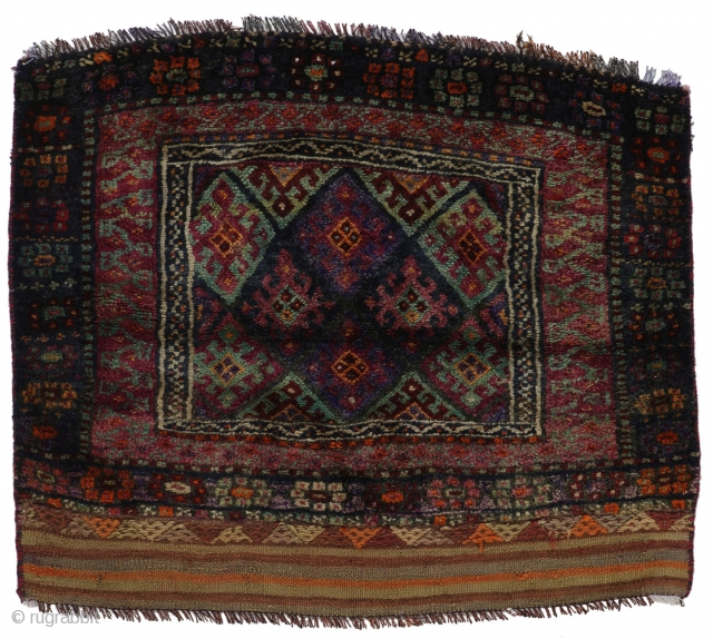 Jaf - Kurdi Carpet 95x110 A-Quality Semi-Antique Size: 95x110 cm (3.12x3.61 ft) Thickness:5 mm Age:40-80 Origin:Iran/Persia Pile - Warp:Wool-Wool Knot Density: approximately 90.000 knots per m²