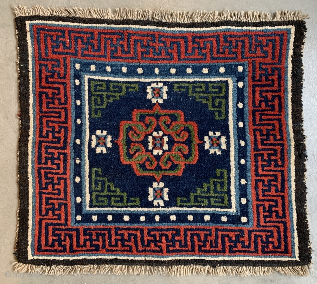 central Tibetan sitting rug (kagangma), second half 19th century, 59 x 68 cm, natural colors, good condition