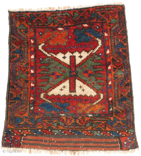 "# 1121 Rare Kurdish Khorjin Fragment, 41/47 cm, Varamin area, last quarter 19th century, sides not original, best natural dyes, ""crab border"" as field design! For a complete overview of our Autumn  ..."