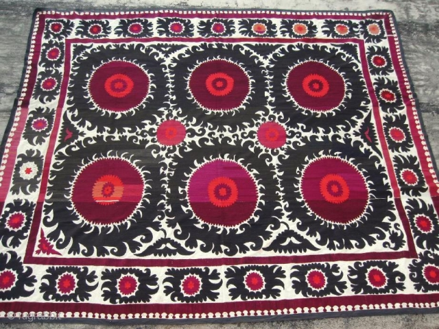 "Antique Uzbek suzani from Samarkand, Central Asia, in excellent condition, early of 20th century. Silk embroidery on cotton. Size is 10'8"" - 9'4"", 320 - 280cm."