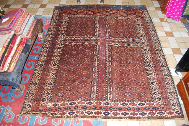 A fabulous Yamud turkmen. the size is 142 x 176 cm.