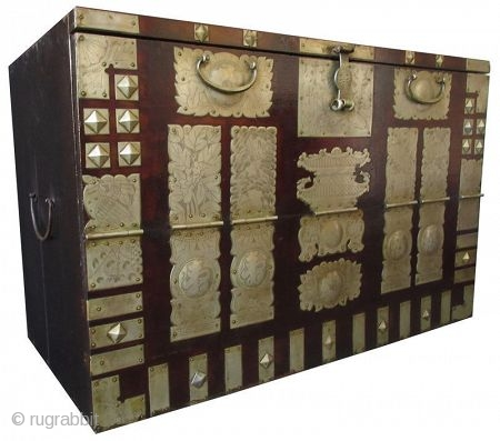 Antique Korean Ginko wood Bandaji (blanket chest)
