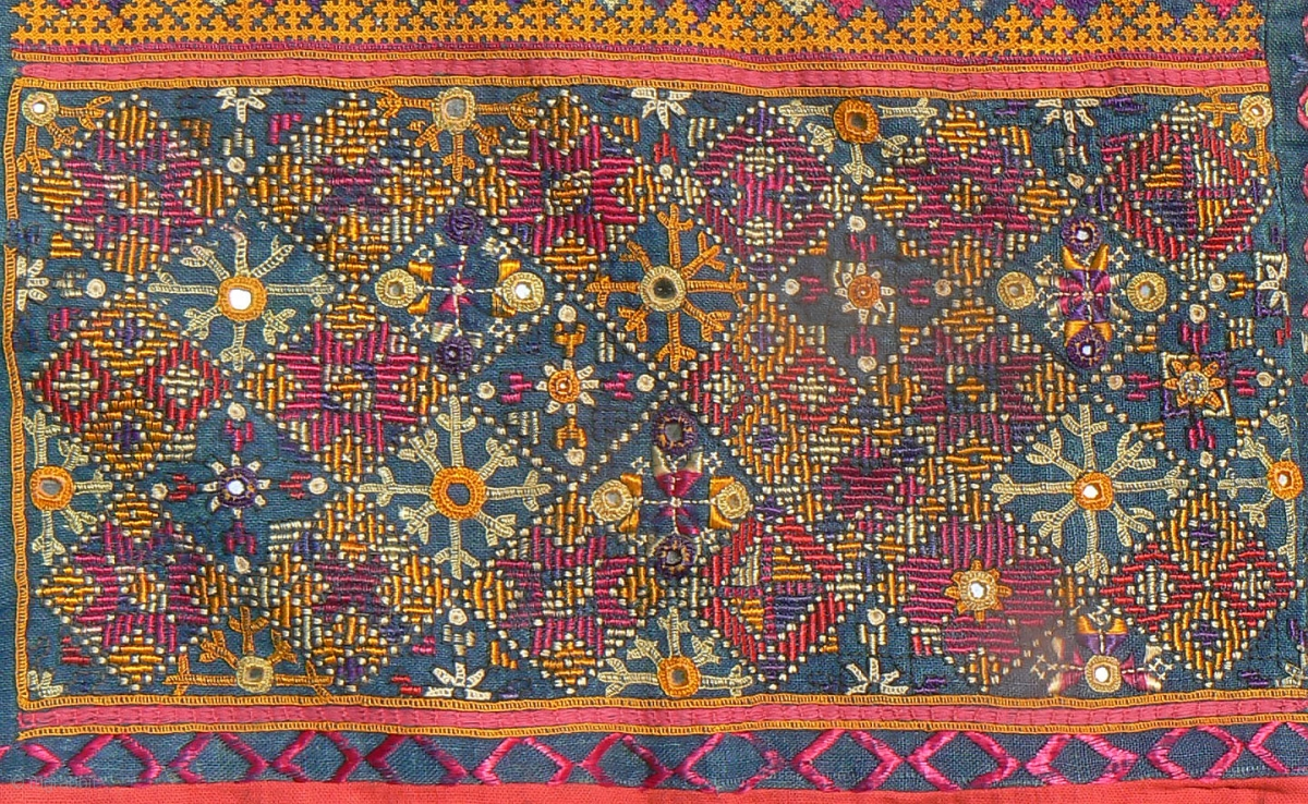 Excellent Old Indian Embroidered Textile From The Thar
