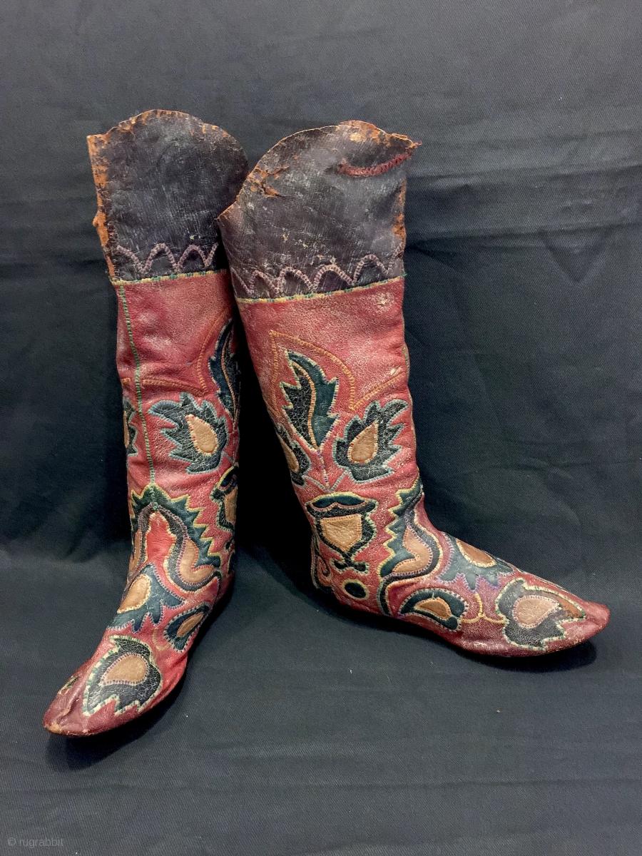 An Exceptional Antique Central Asian Leather Appliqu 233