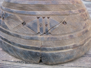 Old African wooden bowl, hand carved, Tuareg People, Sahara, ( Berber, Twareg ), used to collect milk, make dough, and other domestic chores, chiped, cracked and repaired, scuffs and scratches, this is  ...