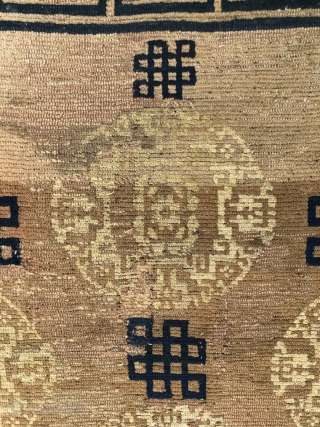 Tibetan rug, 158*84cm.Hand made antique Chinese Tibetan rug, Soft warm color and medallion flowers , around with coiling tubes. good age, without any repair.
