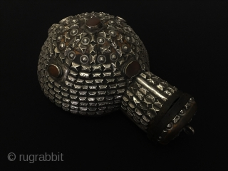 Central-Asia Afghanistan Nomadic antique accessory used for nomadic people not to break in the glass when going away rare very special collector pieces.Excellent condition Circa-1900.