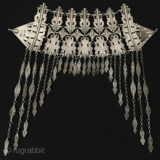Central-Asia Turkmenistan Tribal Silver Head-dress turkmen girls head-dressed at the wedding fine condition with cornalian fire gilded Circa-1900 - Size : 36cm x 36cm - Weight : 379 gr Thank you for  ...