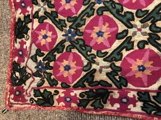 Pretty antique Suzani arch small size 138 x 98 cm