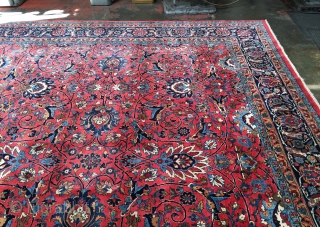 Very fine top quality antique Persian Kashan circa 1920s. Size is 10'2 x 13'6. Superb colors. Excellent condition with minimal traces of use and no repair. Ready to use. Please contact me  ...