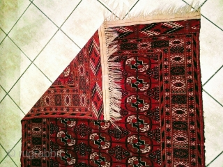 ANTIQUE TURKMEN CARPET // Yarn : Natural Wool // Size : 175 cm x 115 cm //Year : Early 20th century // from private collection // in top condition // message me  ...