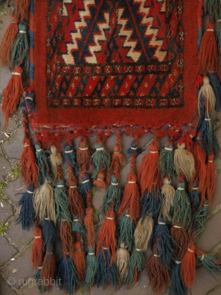 Yomud spinddle bag with almost full tassels. around 1920 I would say. 