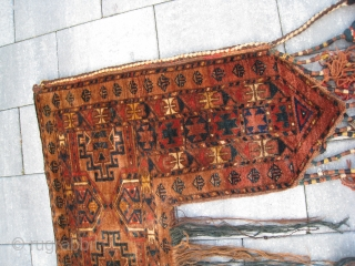extremely rare Ersari Beshir Kapunuk in excellent condition. Wonderful drawing, it has a very good wool quality, good pile allover, don't have any damage apart from one small spot moth nibbles, only  ...