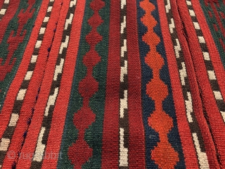 Beautiful Antique Central Asian Uzbek Kilim. excellent colours. Good condition. The size is: 58cm X 120cm.