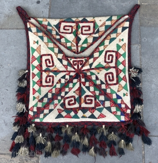 19th century antique Turkmen felt Bokcha bag Yomut tribes. Excellent colours and design. Perfect Condition. The size is 60cm by 56cm (tassels are 6-8cm). Offered reasonable price.