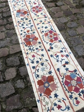 Beautiful 19th century Uzbek Bukhara region Suzani, excellent natural colours and chain stitches. Mint condition. The size is: 60cm X 185cm.