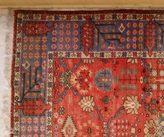 Sultanabad carpet. Cotton foundation. Double weft. As symmetric knot open left. Selvage and ends not original.