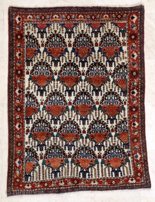 Fine Shahr-e-Babak Afshar, early 20th c. 120 x 160 cm. Good condition, just one knot row loss to lower end.
