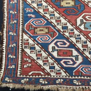 Dragons! Khyzi/Xizi village. North of Baku, Azerbaijan. 4th q 19th c. Great mafrash with two wonderful side panels originally united by the striped bottom. Cm 100x160 ca. Very rare. Soft natural dyes  ...