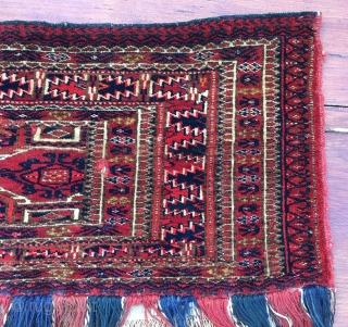 Tekke mafrash. Cm 31x121. Last q 19th/1st q 20th century. Complete with fringes and in good condition. Very nice and precise drawing. See the rich details. --- I recently decided to stop  ...