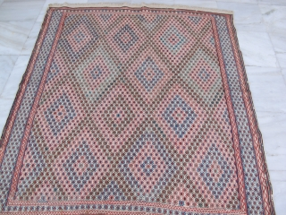 Trompe l'oeil, anybody ? Rare flatweave  1900 or earlier, Shahsavan , ground out of hand spun cotton ,brocading in wool. 161-173 cm , good condition.