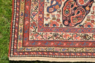 Outstanding 19th century Hamadan Malayer mother-and-child boteh rug (195x116 cm). Great colors including aubergine, and complete all around. Just wash and use it. 