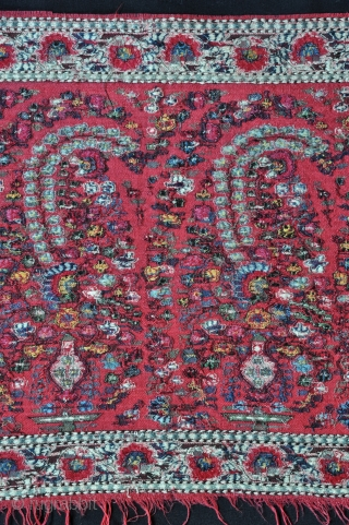 Kashmir shawl fragment. 33 X 108 cms.