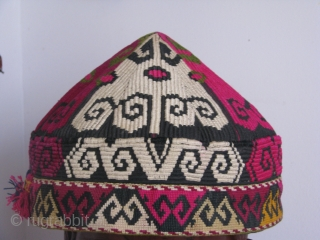 This is a turkmen hat from northern Afghanistan all hand stitched, gentle used and kipped in a good shape.