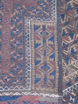 This is a very old kawdani beluch with camel hair on its background beutyfull kilim on both sides, low pile  but nothing missing and an small place that it needs some  ...