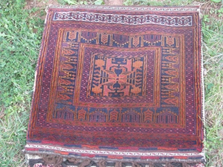 Here is a very fine woven mushwanee beluch saddlebag 20th century , good condition