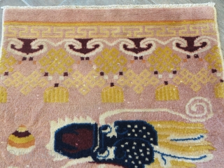 End XIX century Ningxia Pillar rug.some wool missing on the field (see the pictures). Great wool and lovey size. cm 210x75