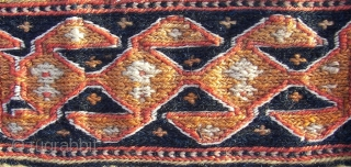 South Persian Tribal, in the fading of the daylights, around 1910, wool on wool and some cotton. When i ve got more sun on my roof... the rest is following. Listening ;  ...