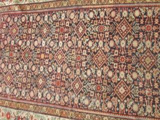 Antique Persian Mahal.  size 4'4''x6'5''.