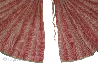 Lahariya Print (Cotton) Ghaghra (Skirt) From Shekhawati District Of Rajasthan India.Its size is 8 to 10 Miters.One of the rare Lahariya Design.(DSL01740).