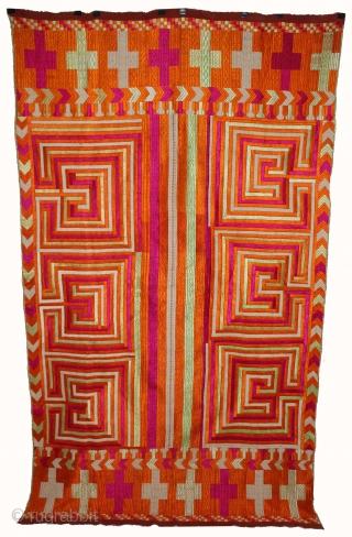 Rare Pattern Bhool Bhulaiya Bagh from East(Punjab)India.Six different Bhool Bhulaiya.Rarest of all the bagh and phulkari.(DSE01910).