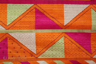 Phulkari From East(Punjab)India Called As Bagh.Rare Pattern (Patang)Design.Floss Silk on Hand Spun Cotton khaddar Cloth.Mind Condition.(DSL03190).