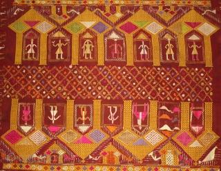 Vintage phulkari from East India Punjab Called As Darshan Darwaja.Rare Figurative Design with Guru Gobind Sing .One of the rare design in Indian Phulkari.(DSC01500).
