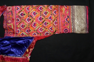Women's Blouse (Choli) Mochi Embroidery Chain Stich Silk Embroidery on Silk From Ahir Community Kutch Gujarat India.Circa 1900.(DSL03350).