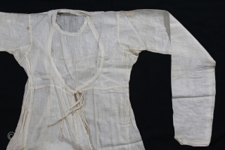 Angarakha Man(Costume) Fine Muslin Cotton From Rajasthan India.C.1900.Worn by Royal Family of Rajasthan.Its size is Length-75cm, Width-76cm, Sleeve- 15cmX67cm.(DSL04020).