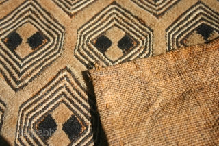 Shoowa raffia velvet square