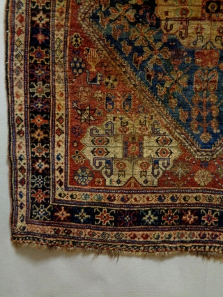 19th Century Very Fine Qasqhay Size: 120x142cm Natural colors