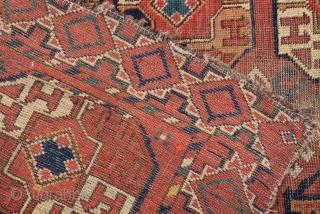 Turkmen Ersari Main Carpet circa 1800 size 166x210 cm