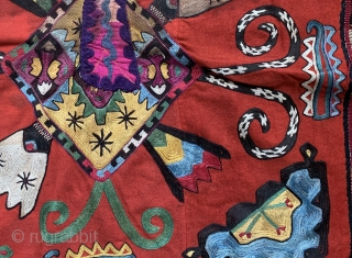 A rare antique Uzbek Lakai Tribe silk embroidered Ilgich / Ayna Khalta hanging dating to the last quarter of 19th century. This beautiful example has a great design with four boat motifs  ...