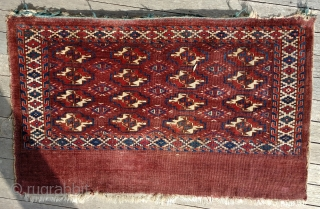 Antique,large Yomud chuval. Crisply-drawn guls, unusual secondaries. All colors appear natural, including a nice green and clear yellow (no bleeds). Soft, glossy pile, dry toothy back. Overall good condition. Recently cleaned. (Quite  ...